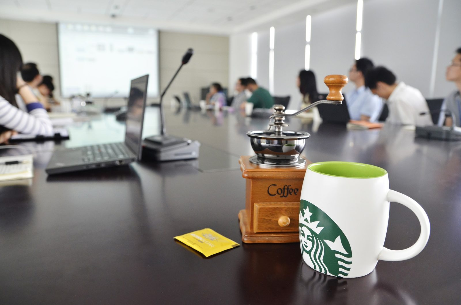 Read more about the article Starbucks Home Office?